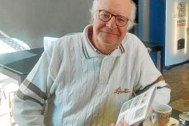 Michel Bohbot presenta 90 libros únicos, pintados y caligrafiados