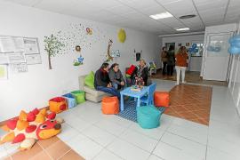 Apfem abre nueva sede para mejorar la asistencia a un centenar de usuarios