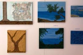 Los alumnos de Teresa Matilla exhiben en la isla de Formentera el resultado de sus 'juegos' con la pintura