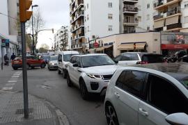 Problemas puntuales de tráfico en Vila por el estreno de los nuevos semáforos