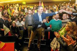 Vox promete en Ibiza derogar la ley de normalización lingüistica de Balears