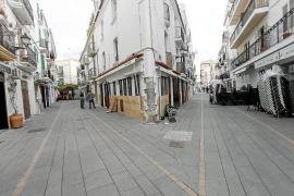 El barrio de la Marina y el puerto se preparan para la llegada de turistas en Semana Santa