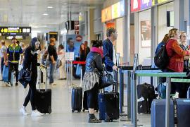 El aeropuerto de Ibiza registró en marzo un descenso del 11,2% de pasajeros