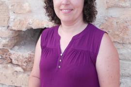 María Teresa Ferrer presentó ayer sus versos libres de 'L'espera de la letargia'