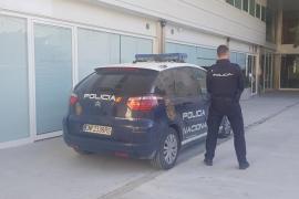 El sindicato policial ARP denuncia que los detenidos son trasladados de forma «inadecuada» en Ibiza