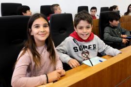 El pleno infantil en el Ayuntamiento de Eivissa, en imágenes (Fotos: Daniel Espinosa).