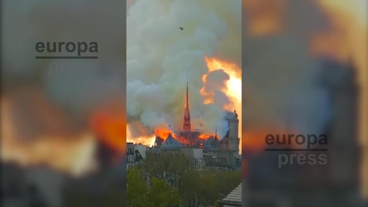 Un grave incendio devasta la catedral de Notre Dame de París