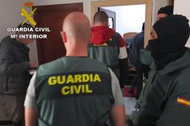 La Guardia Civil desarticula a la banda que robó un botín de 400.000 € en una vivienda de Jesús