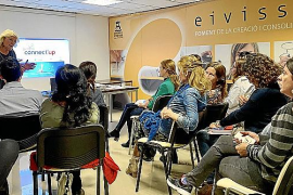 Connect'up se presenta en Ibiza ante unas veinte emprendedoras