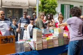 Santa Eulària celebra este domingo el Día del Libro