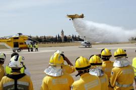 Los trabajadores del Ibanat exigen al Govern ser bomberos forestales