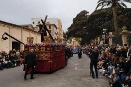 Palma vive una solemne y multitudinaria procesión del Crist de la Sang