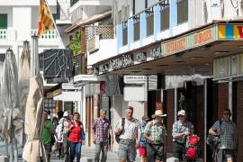 Sant Antoni empieza a abrir para los turistas