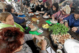 Can Pere Mosson acoge un taller de cuinat y flaó para apasionados de la cocina ibicenca