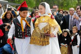 Día de estrenos en el pueblo de Sant Jordi