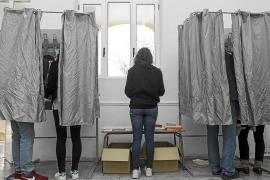 Un total de 102.688 pitiusos podrán votar hoy, un 3,6 por ciento más que en las elecciones de 2016