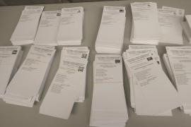 Papeletas en un colegio electoral