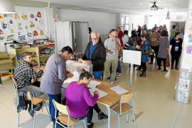 El PSOE gana en las Pitiusas once años después y le arrebata el senador al PP
