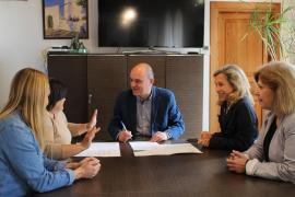 Santa Eulària destina 8.900 euros a los vecinos de Cala Llonga para celebrar actividades culturales y asociativas