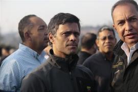 Leopoldo López se refugia junto a su familia en la embajada de España