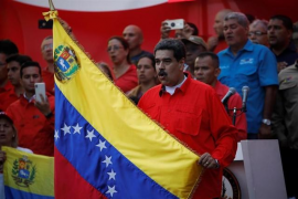 Maduro pide al Ejército «máxima lealtad» a la Constitución frente al «golpe de Estado» en Venezuela