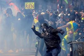 Las protestas del 1 de mayo en París dejan casi 40 heridos y más de 300 detenidos