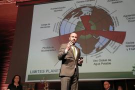 Rafael Guinea durante su conferencia