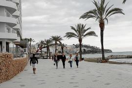 Vila abre un nuevo tramo del paseo de ses Figueretes entre críticas