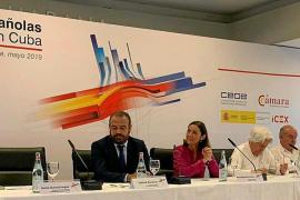 Hoteleros mallorquines y la ministra Reyes Maroto en Cuba
