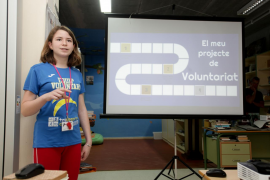 Dos alumnas de 14 años cambian la 'play station' por el voluntariado