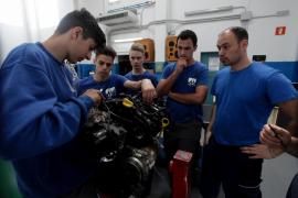 La FP del IES Isidor Macabich abre sus puertas para dar a conocer una «enseñanza de primera»