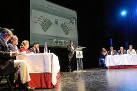 Un debate sin debate y sin candidato socialista a presidir el Consell d'Eivissa
