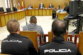 Visto para sentencia el juicio a un vendedor de drogas que mordisqueó y golpeó a tres policías