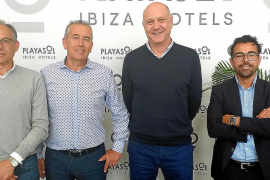 Playasol Ibiza Hotels firma el contrato de ejecución de la obra del Piscis Park