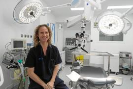 «Hay gente que viene de fuera de Ibiza para recibir tratamientos odontológicos»