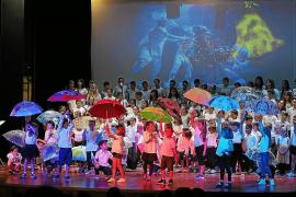 El colegio Can Guerxo baila al ritmo del musical de Geronimo Stilton