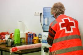Cruz Roja y Cáritas se vuelcan con los afectados por el incendio de es Viver