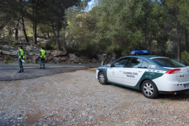 La Guardia Civil en un control en la Serra de Tramuntana