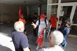 La protesta de los trabajadores de limpieza en Can Botino, en imágenes (Fotos: Daniel Espinosa).