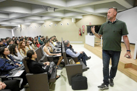 Pedro García Aguado: «Cuando consumes alcohol y drogas crees que ligas más y eres más sociable, pero no es así»