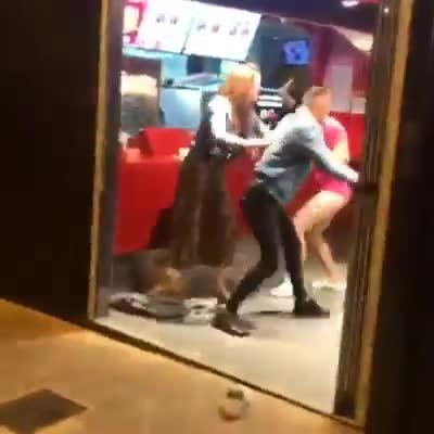 Una pelea multitudinaria en el West se salda con varios heridos