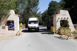 El PP de Sant Antoni denuncia el cierre al tráfico de Cala Salada sin que haya aún servicio de autobús