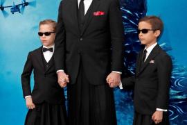 Miguel Bosé, por primera con sus hijos ante las cámaras