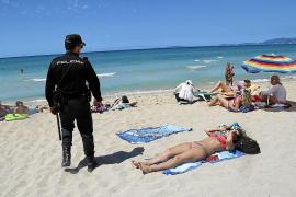Vecinos y hoteleros exigen una unidad de vigilantes cívicos en la Playa de Palma