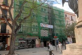 Vila impide usar una plataforma elevadora en una obra de Vara de Rey
