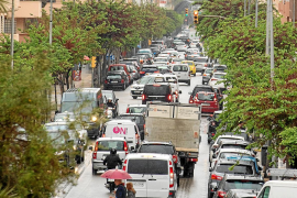 Colapso circulatorio en las carreteras y los accesos a Vila