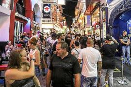 Los empresarios del West End defienden que en la zona viven 50 vecinos y no 500