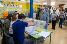 La participación se mantiene estable en las municipales y sube 10 puntos en las europeas