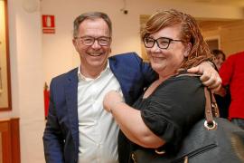 'Agustinet' reedita victoria pero tendrá que pactar para seguir gobernando