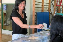 Ana Juan plantea la «posibilidad» de promover un gobierno en minoría